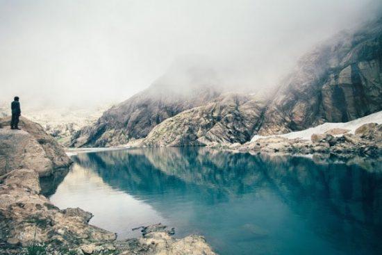 Prachtig meertje in de bergen